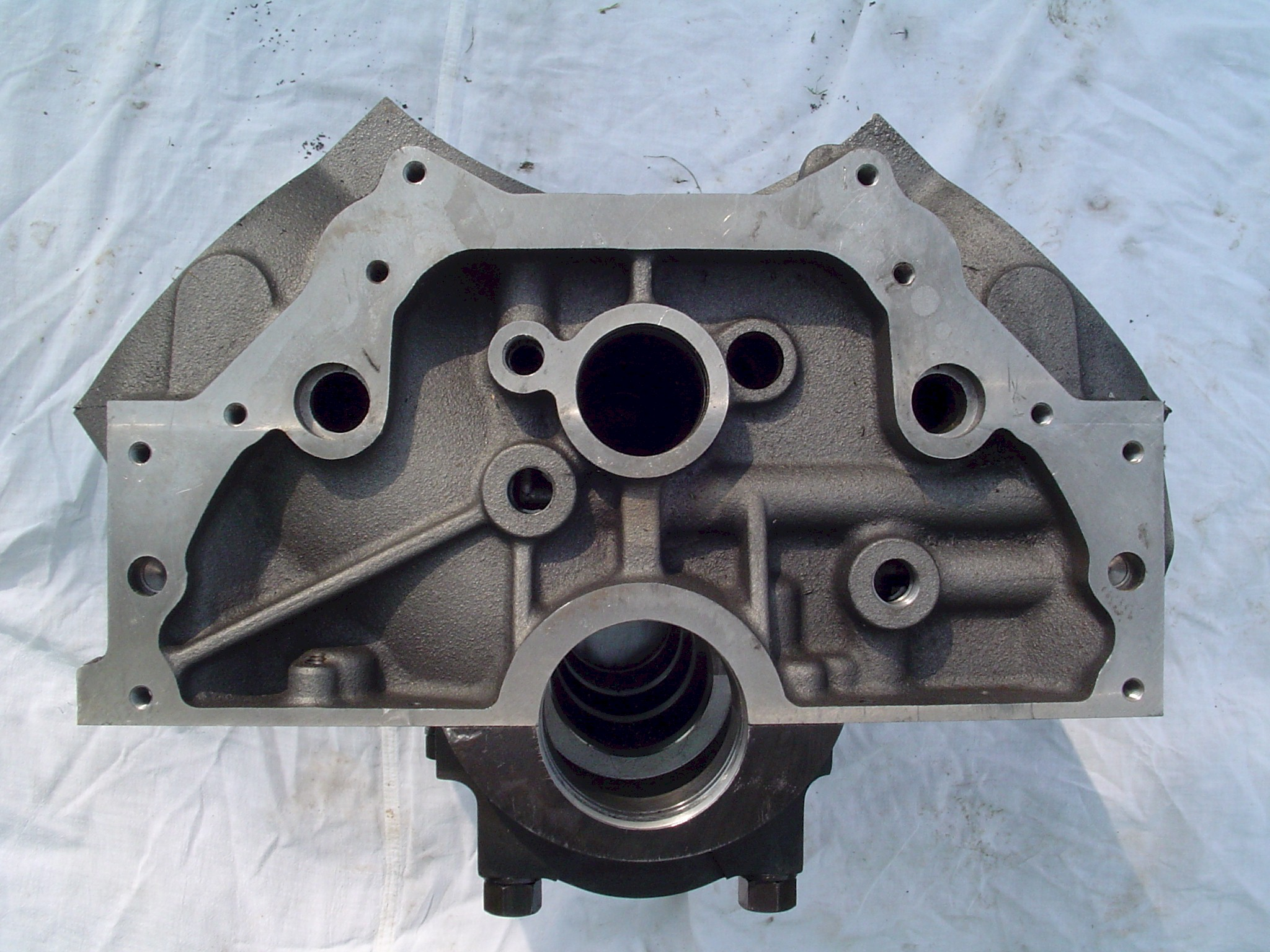 MR-1 Pontiac block bellhousing