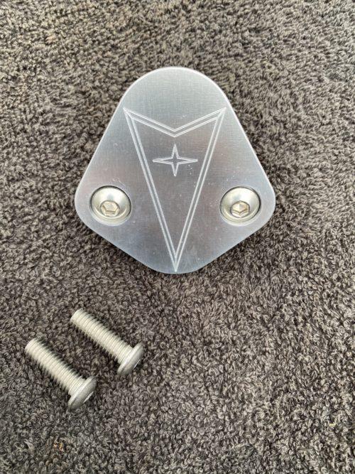 Pontiac block off plate with Pontiac symbol logo